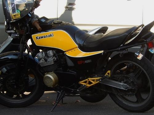 カワサキGPZ400F (700x526).jpg
