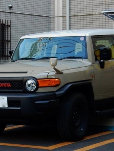 トヨタ FJクルーザー (528x700).jpg