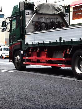 トラック.jpg