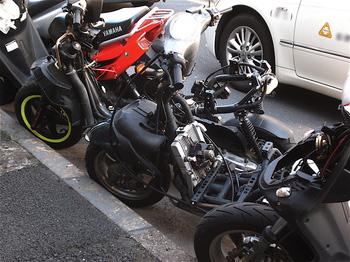バイク屋.jpg