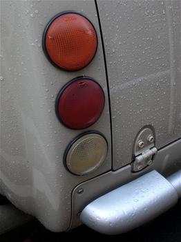 パオのテールランプ.jpg