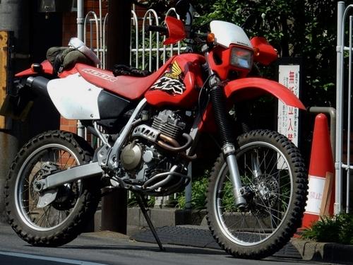 ホンダ XR 400R (700x525).jpg