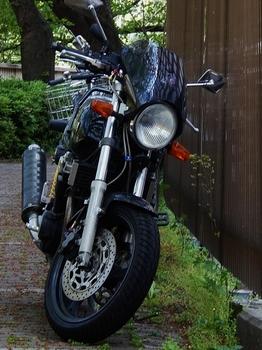 ヤマハXJR (524x700).jpg