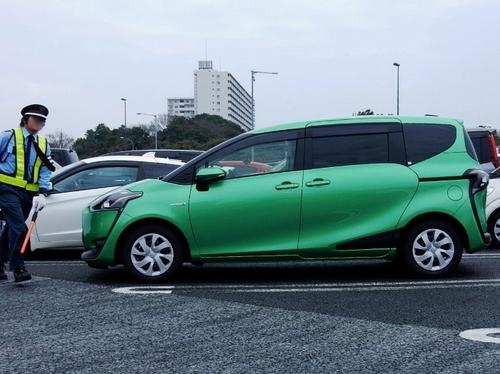 トヨタ シエンタ (700x524).jpg
