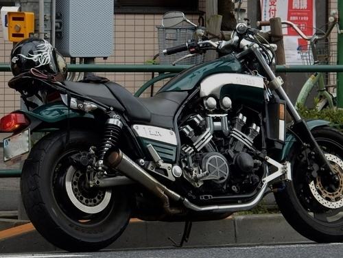 ヤマハV-MAX (750x564) (2).jpg